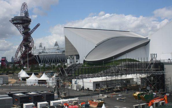 La torre Orbit, el centro acuático y el estadio olímpico