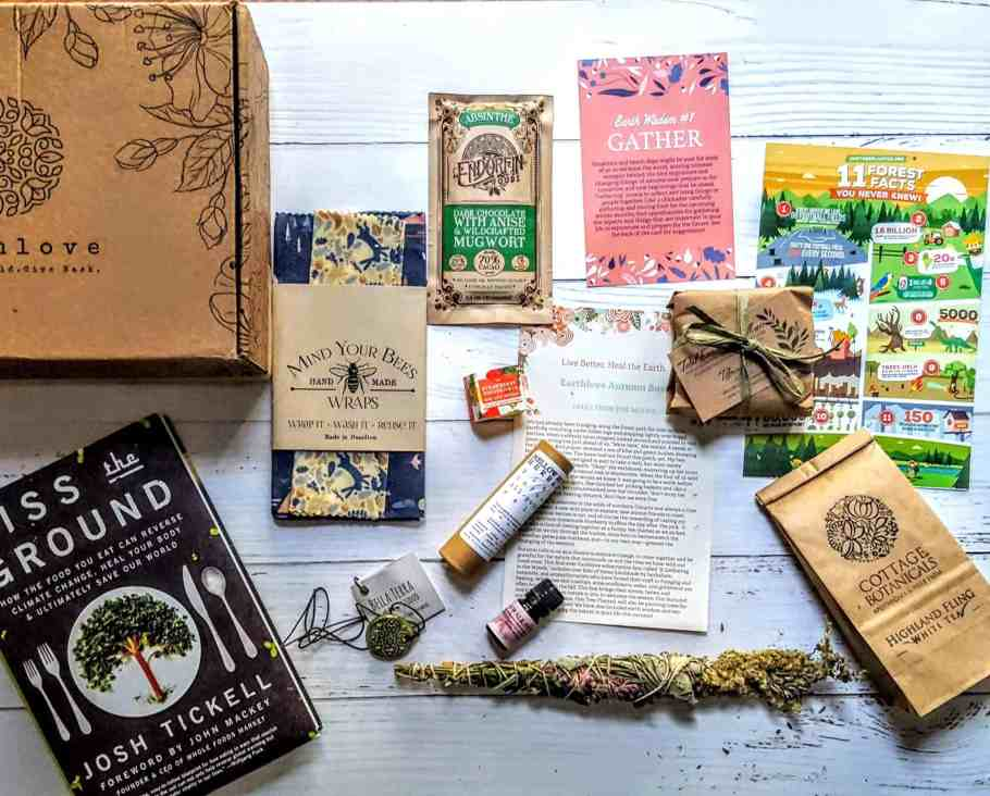 what's in the earthlove box