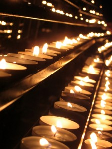 candles-1169648-639x852