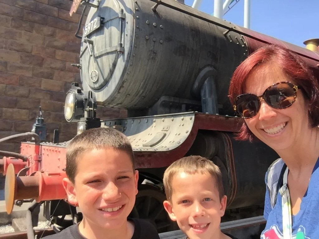 12 tips for Harry Potter World - You'll need a park hopping to ride the Hogwarts Express.