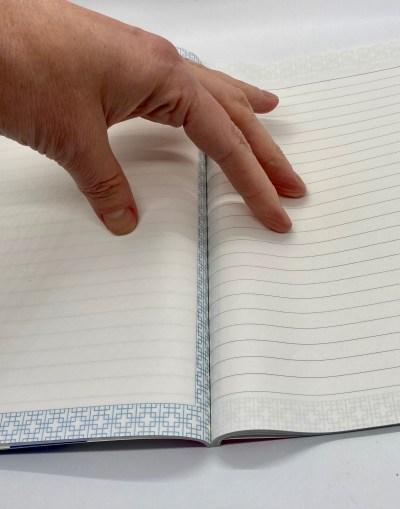 korean notebook doesn't open flat