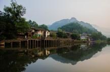Altes Dorf in den Bergen Sichuans