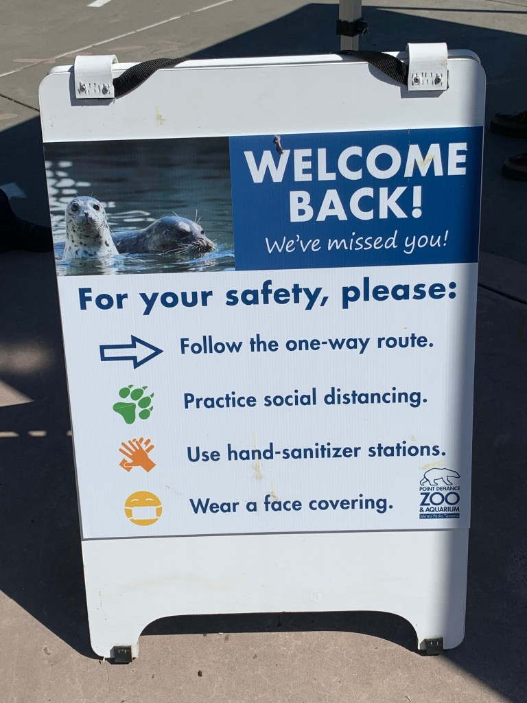 zoo sign: welcome back