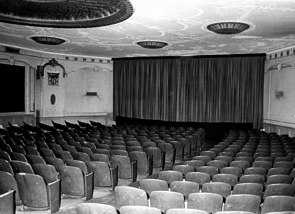 Embassy I Auditorium. Photo by Forster. Courtesy of the LPC's Designation Report. Retouched by Rick Stachura. Circa 1987.