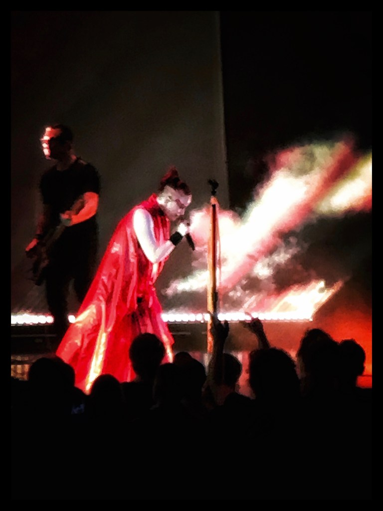Eric Avery and Shirley Manson of Garbage at Kings Theatre. Photo by Rick Stachura. October 27, 2018.