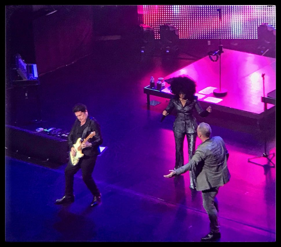 Charlie Burchill, Sarah Brown, and Jim Kerr of Simple Minds at Beacon Theatre. Photo by Rick Stachura. October 2, 2018.