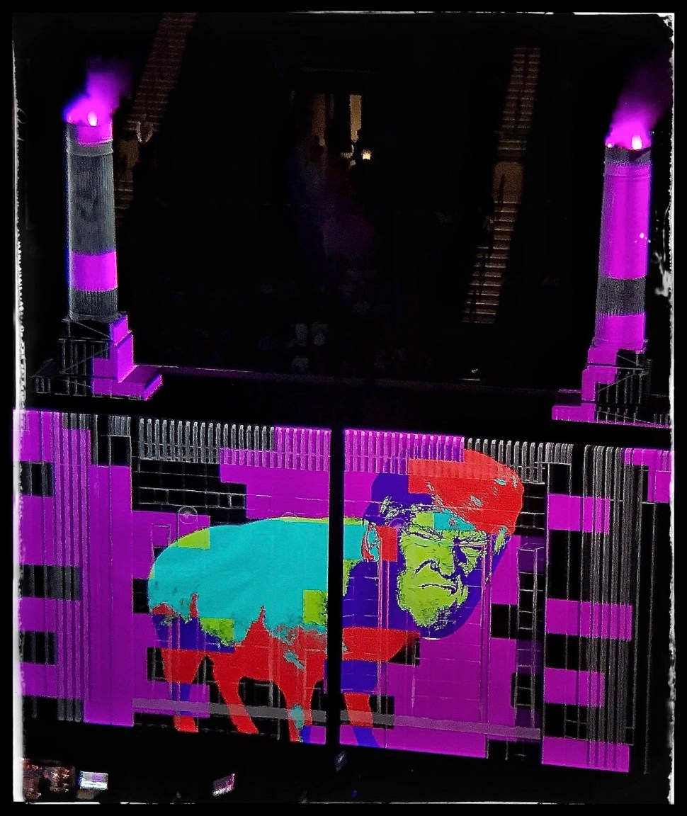 Roger Waters at Barclays Center. Pig Trump. Photo by Rick Stachura. September 12, 2017.