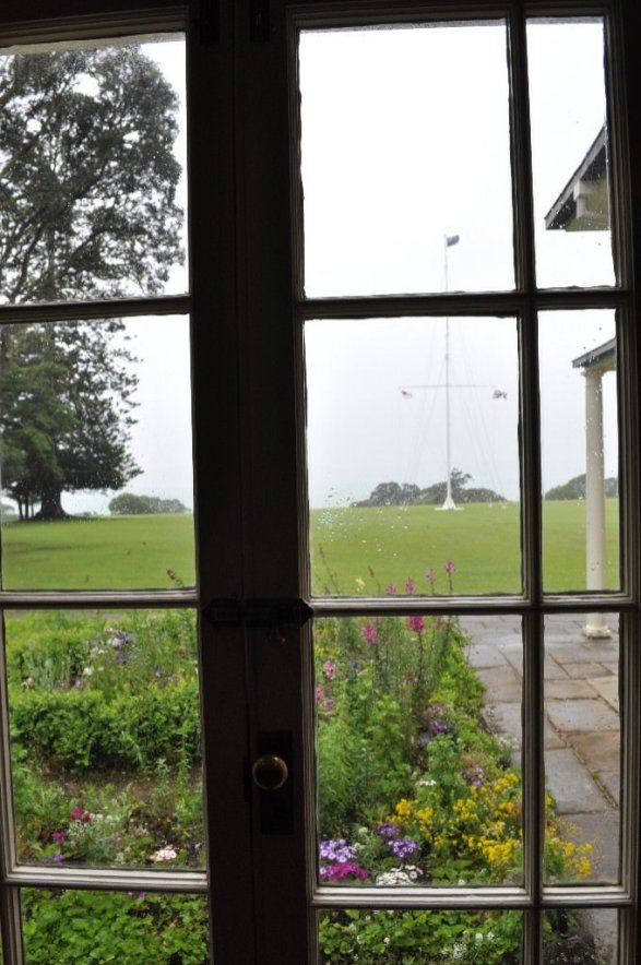 Looking out og the Waitangi Treaty House museum