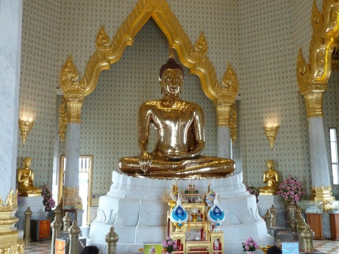 The biggest solid gold Buddha in the world- weighing over 5 tonnes