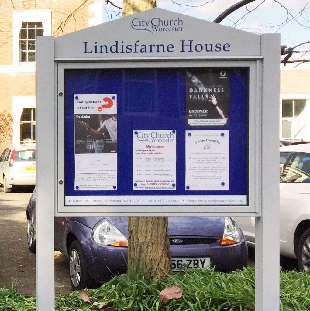 Varicase Single Door Post Mounted Church Noticeboards