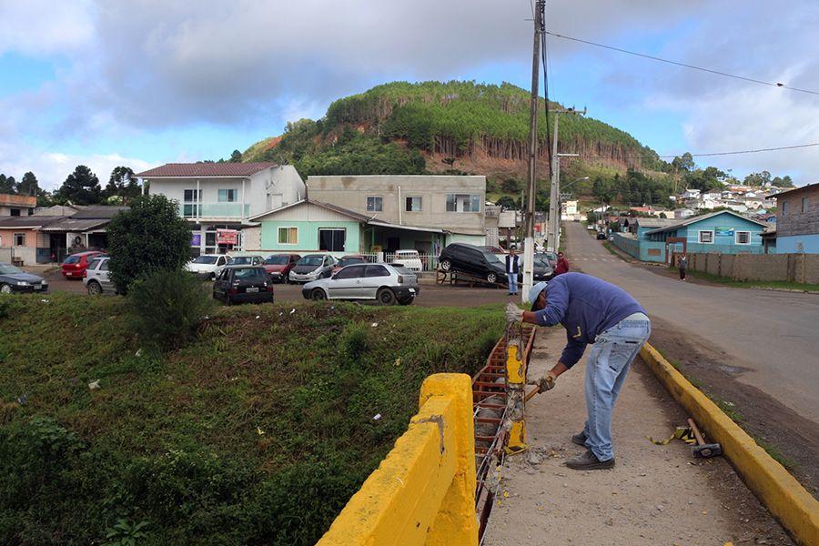 Ponte do Habitação é restaurada