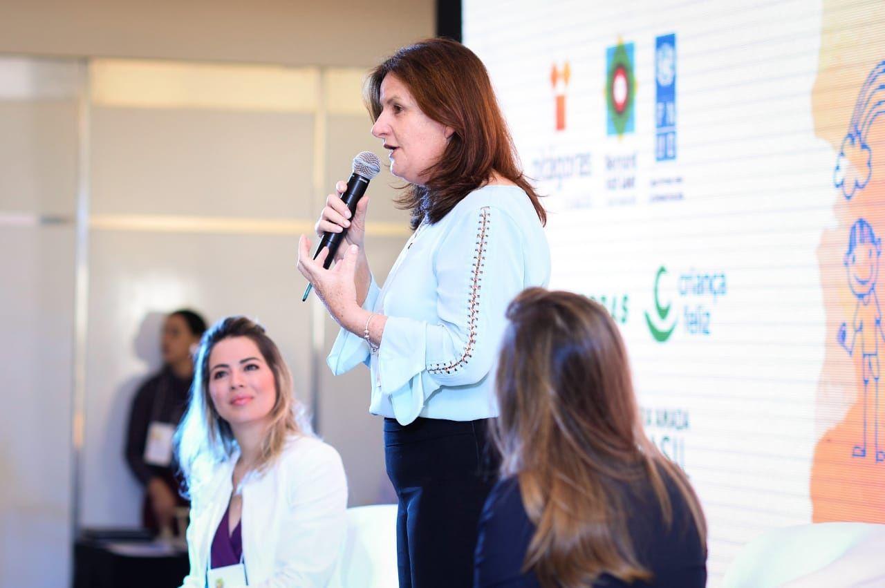 Carmen Zanotto defende comprometimento de gestores públicos com a primeira infância