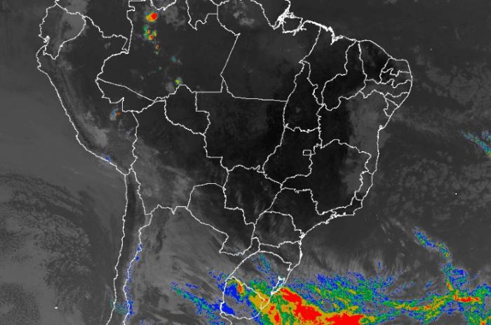 Imagem de satélite nesta terça-feira (10) em todo o Brasil - Fonte: Inmet