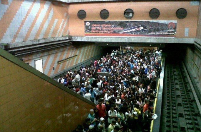 """Los nuevos """"modus operandi"""" que aplican los delincuentes para robar en el Metro de Caracas"""