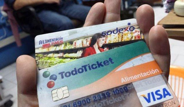El nuevo incremento de tickets de alimentación que anunció Maduro