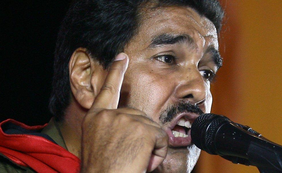 ¡Increíble! El requisito que le exigió Maduro a los estudiantes para que puedan recibir becas estudiantiles