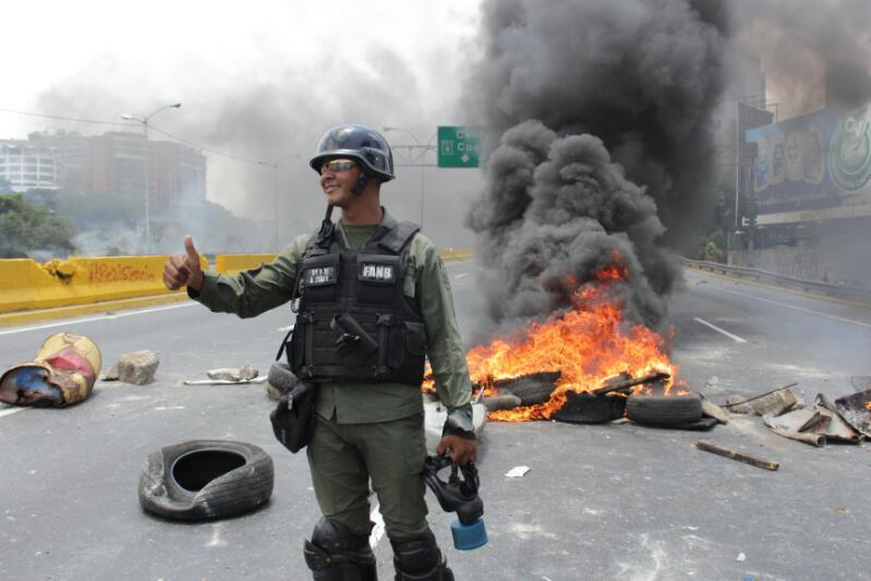 """El """"bono guarimbero"""" que le dieron a la GN por reprimir a opositores"""