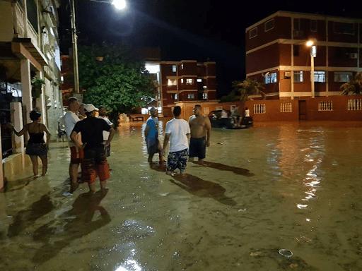 puerto cabello en emergencia tras desbordamientos de rios