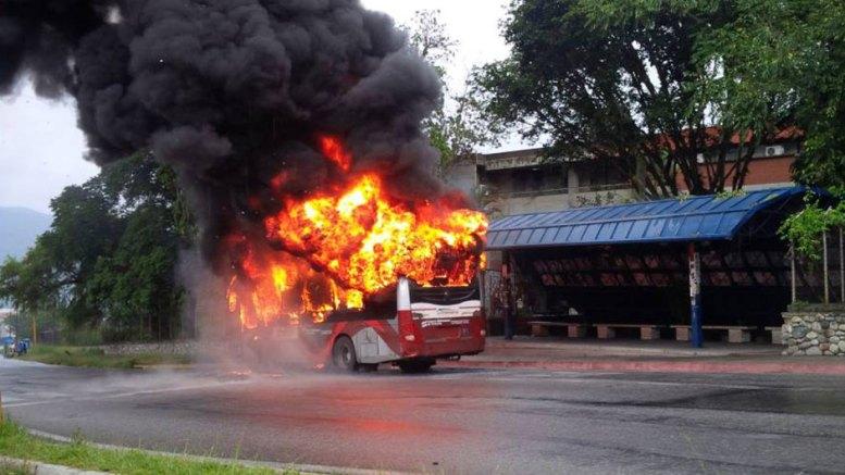 Yutong quemado