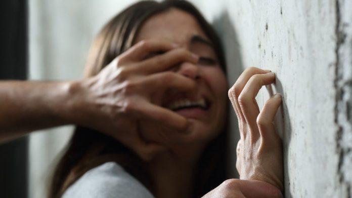 mujer violada