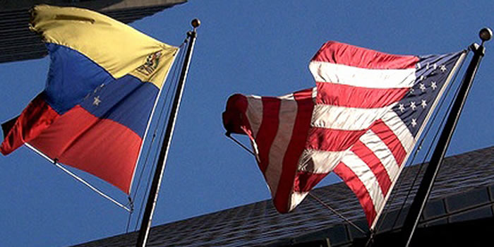 banderas-de-venezuela-y-eeuu