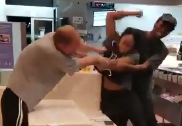 pelea-McDonald's