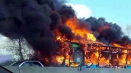 incendio de autobus escolar en italia