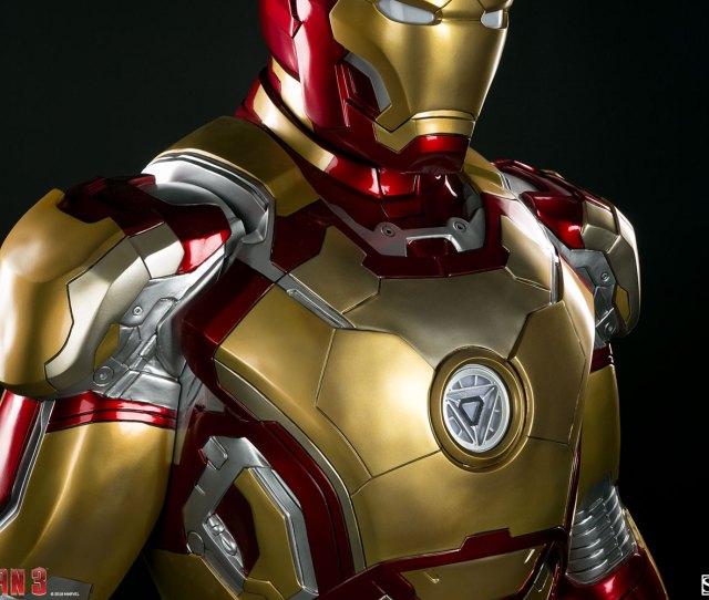 Ni Los Superheroes Estan A Salvo De La Delincuencia Esta Vez La Victima Se Llama Tony Stark Ya Que La Armadura De Iron Man Que Se Utilizo Para La Primera