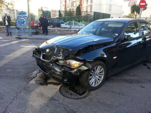 coche embiste policia