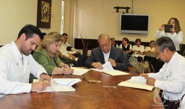 Entrega UAT bufetes jurídicos de servicio social en la zona sur del estado