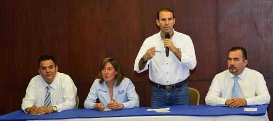 Mon Marón recibe respaldo de Médicos y Abogados