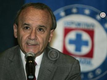 Detallan presuntas operaciones ilegales de 'Billy' Álvarez en Cruz Azul