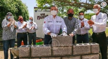 Adrián Oseguera encabeza obra pública en beneficio de la comunidad escolar