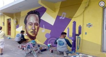 Pintan murales en zona de El Triángulo