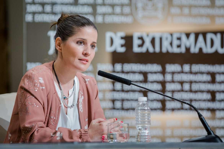 El Consejo de Gobierno autoriza 2,3 millones de euros en ayudas para libros de texto y transporte escolar