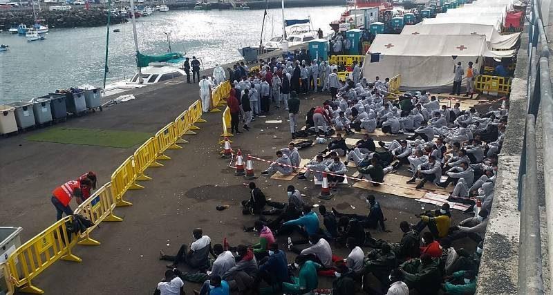 Es inaceptable que las personas migrantes permanezcan hacinadas