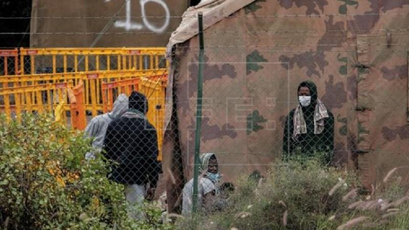 Detenciones arbitrarias, trato degradante y nula atención a las familias de migrantes en Canarias