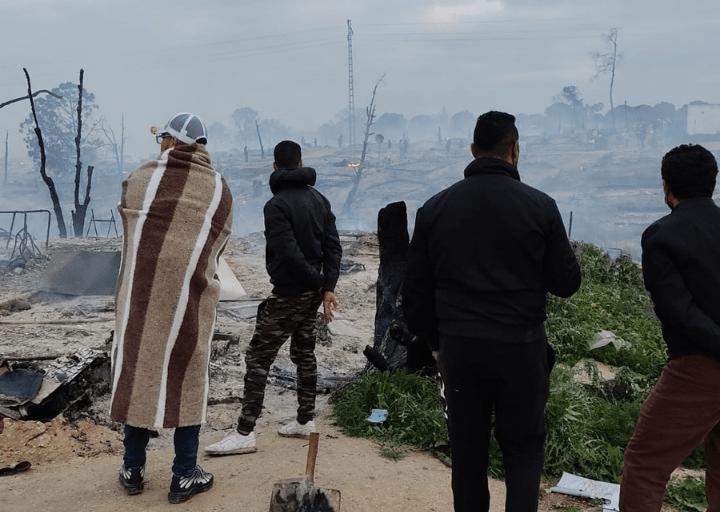 Las llamas dejan sin hogar a cientos de trabajadores migrantes de Huelva