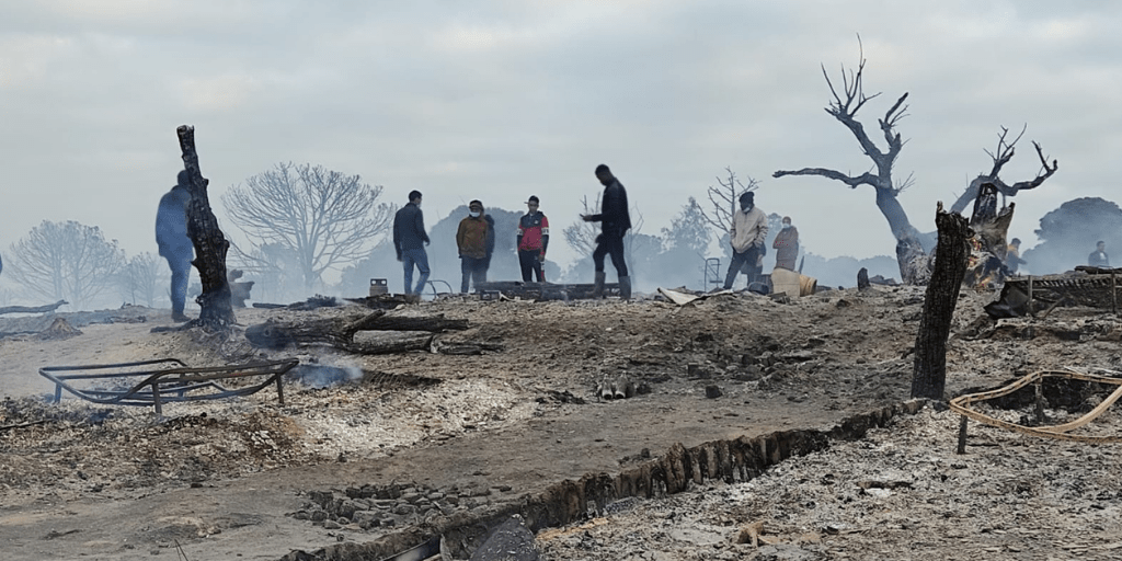 """Trabajadores cristianos de Huelva critican la """"indolencia y pasividad"""" en el incendio del asentamiento de personas migrantes"""