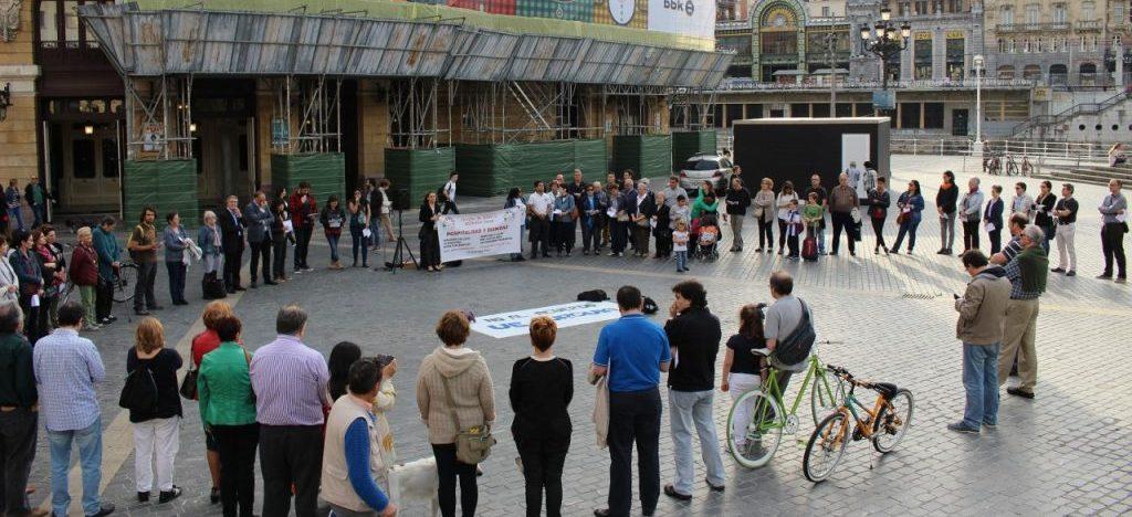 """Convocatorias de Círculos de Silencio """"Hospitalidad y dignidad"""" de Bizkaia"""