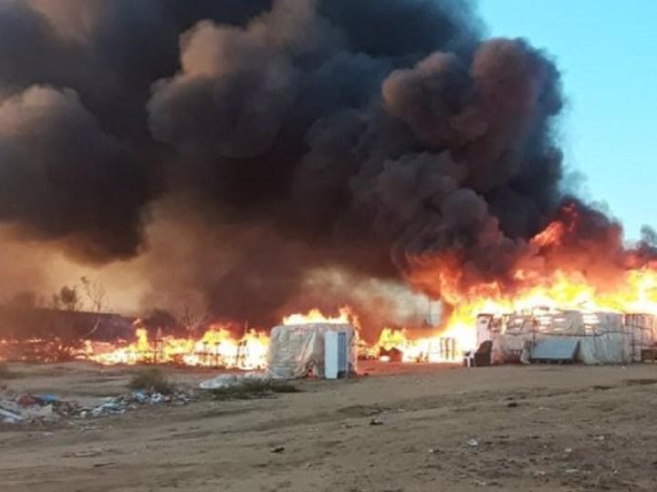 Denuncian la dejación de funciones de las Administraciones tras el último incendio en un asentamiento de Lepe