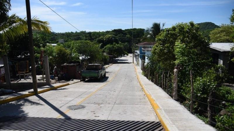 Mejorando la vida y vialidades en comunidades el Ayuntamiento de San Andrés Tuxtla cumple