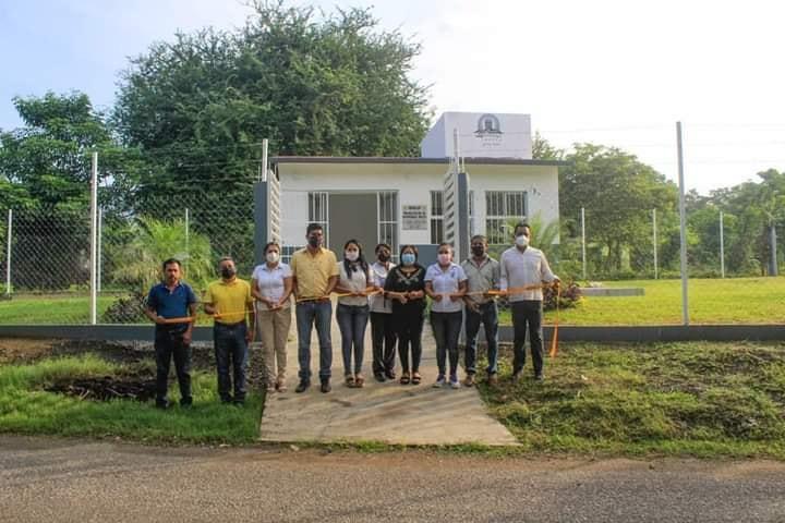 Entrega Argeniz Vázquez rehabilitación de Casa de Salud en la localidad de Medellín