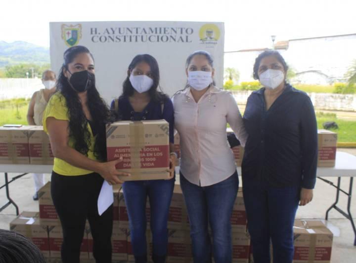 Entregan en Santiago Tuxtla programas de Asistencia Social Alimentaria a adultos mayores y embarazadas