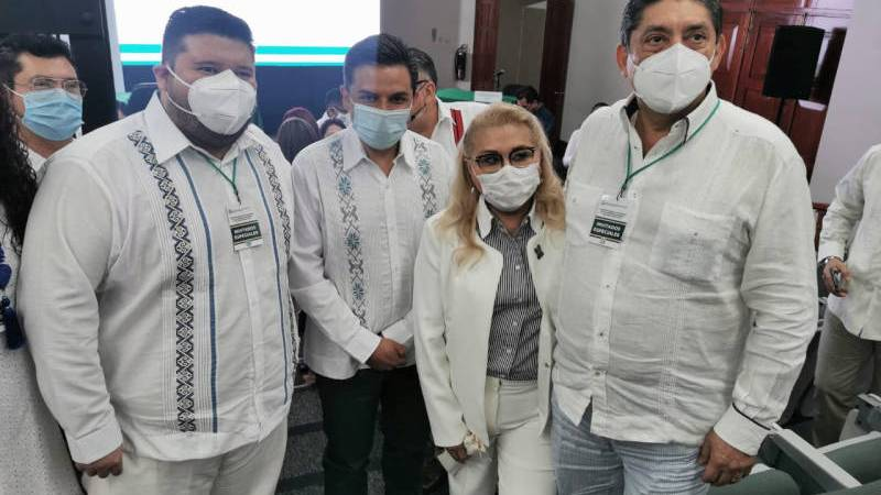Delegada del IMSS no asume funciones, esposo toma control