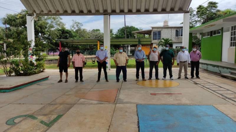 Supervisan obras en localidad de Norma, en Hueyapan de Ocampo