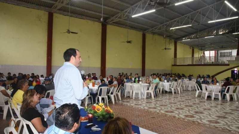 """""""Celebramos al empleado municipal y reconocemos en su día, el valor de sus años de servicio"""": Tavo Pérez"""