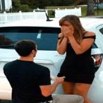 Este rapaz pede a garota em casamento, mas recebe um não por ser pobre. 10 anos depois o jogo vira…
