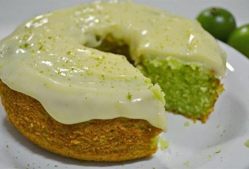 bolo-de-limão-com-iogurte
