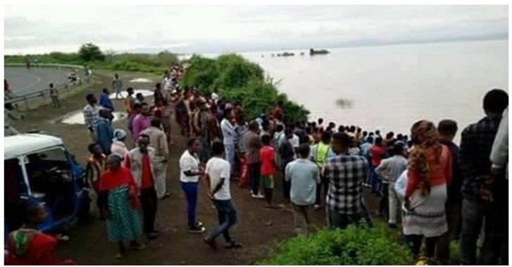 Durante batismo, pastor é engolido vivo por crocodilo